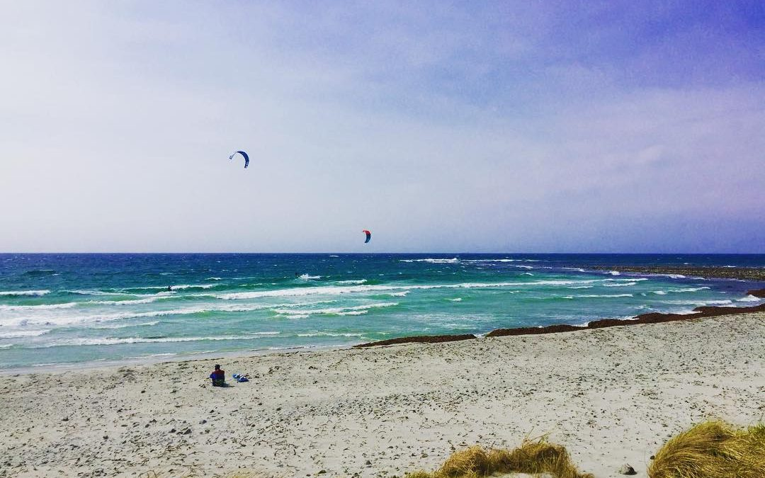 6mm wetsuit and 6m2 kite, it is not the Caribbean anymore, but it got it's charm.